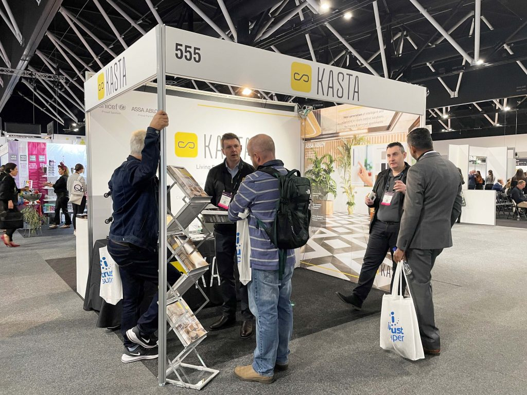 Kasta sales team in action at NoVacancy expo in booth